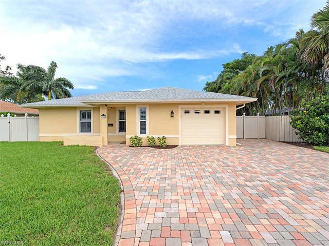 3582 Santiago Way, Naples, FL 34105 (#217042469) :: Homes and Land Brokers, Inc