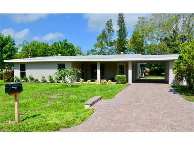 8743 Crest Ln, Fort Myers, FL 33907 (#217042517) :: Homes and Land Brokers, Inc