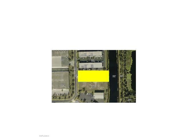 7869 Drew Cir, Fort Myers, FL 33967 (#217042633) :: Homes and Land Brokers, Inc