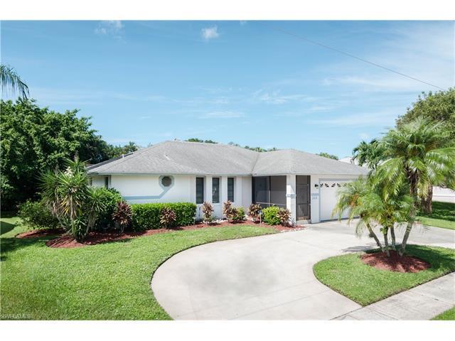 148 Bermuda Rd, Marco Island, FL 34145 (MLS #217042636) :: The New Home Spot, Inc.