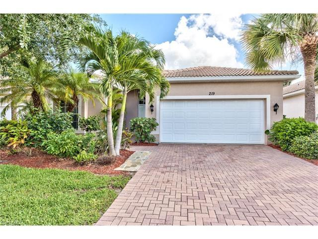 219 Glen Eagle Cir, Naples, FL 34104 (#217042832) :: Naples Luxury Real Estate Group, LLC.