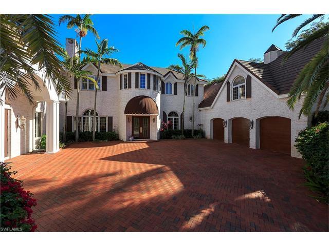 356 Cromwell Ct, Naples, FL 34108 (#217044101) :: Naples Luxury Real Estate Group, LLC.