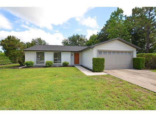 2729 Outrigger Ln, Naples, FL 34104 (#217044293) :: Homes and Land Brokers, Inc