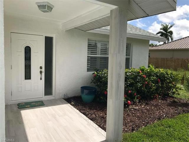 619 96th Ave N, Naples, FL 34108 (#217044853) :: Homes and Land Brokers, Inc