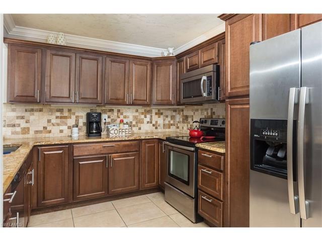 132 Santa Clara Dr 132-4, Naples, FL 34104 (#217044908) :: Homes and Land Brokers, Inc