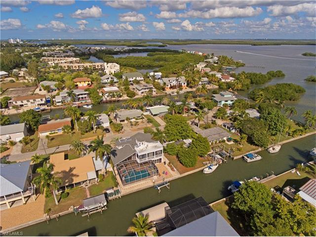 238 Flamingo St, Fort Myers Beach, FL 33931 (#217044989) :: Homes and Land Brokers, Inc