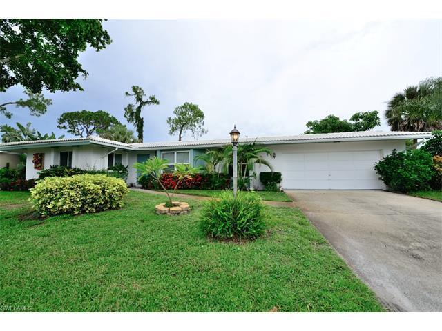 16 Lanai Cir #16, Naples, FL 34112 (#217045278) :: Homes and Land Brokers, Inc