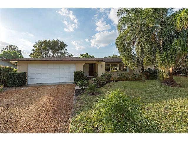 275 Cypress Way W, Naples, FL 34110 (#217045326) :: Homes and Land Brokers, Inc