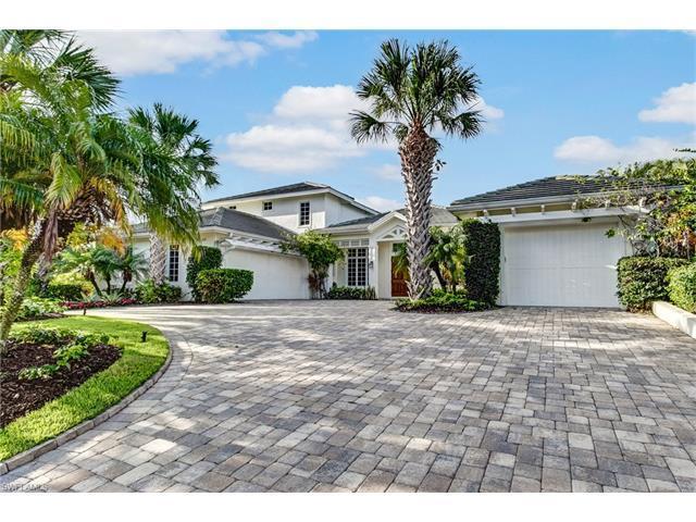 650 Fountainhead Ln, Naples, FL 34103 (#217045934) :: Naples Luxury Real Estate Group, LLC.