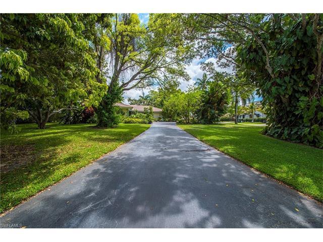 1800 Tiller Ter, Naples, FL 34102 (#217045953) :: Homes and Land Brokers, Inc