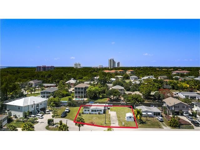 4738 Swordfish St, Bonita Springs, FL 34134 (#217046610) :: Naples Luxury Real Estate Group, LLC.