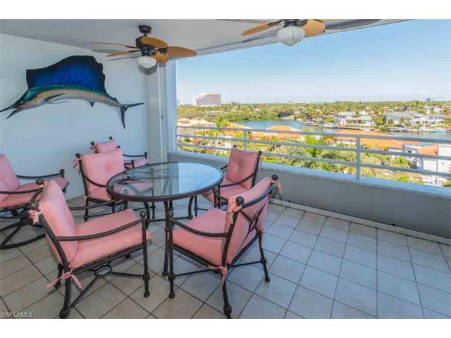 4751 Gulf Shore Blvd N #703, Naples, FL 34103 (#217046680) :: Naples Luxury Real Estate Group, LLC.