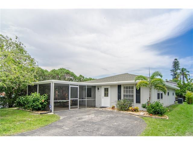 856 92nd Ave N, Naples, FL 34108 (#217046803) :: Homes and Land Brokers, Inc