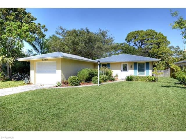 1345 Diana Ave, Naples, FL 34103 (#217046841) :: Homes and Land Brokers, Inc