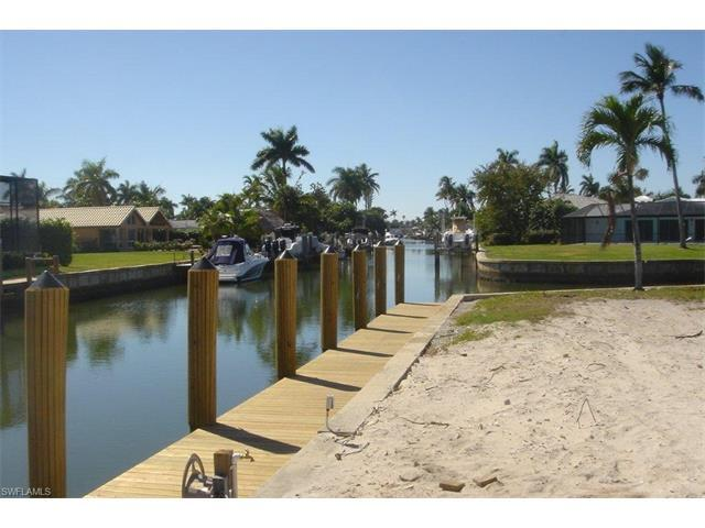 1805 Kingfish Rd, Naples, FL 34102 (#217047126) :: Homes and Land Brokers, Inc