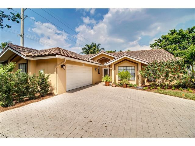 5135 Alpha Ct, Naples, FL 34105 (#217047140) :: Homes and Land Brokers, Inc