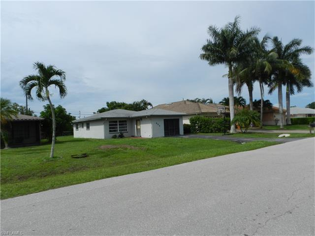 683 106th Ave N, Naples, FL 34108 (MLS #217047659) :: RE/MAX DREAM