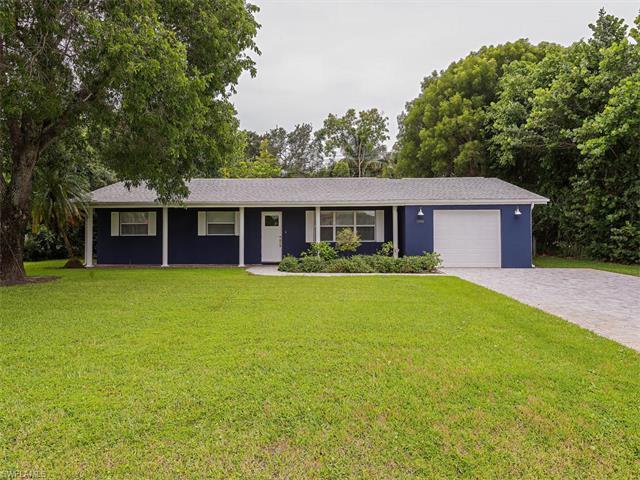 1080 Morningside Dr, Naples, FL 34103 (#217047702) :: Naples Luxury Real Estate Group, LLC.