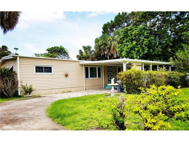 201 Riverwood Rd, Naples, FL 34114 (#217047912) :: Homes and Land Brokers, Inc