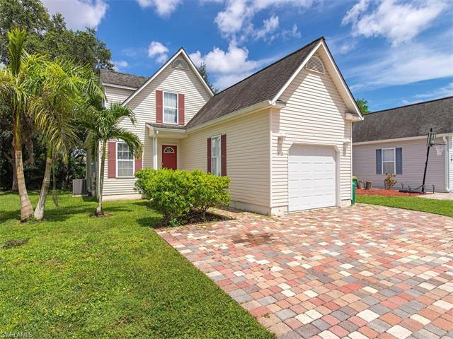 513 Leawood Cir, Naples, FL 34104 (#217047932) :: Homes and Land Brokers, Inc