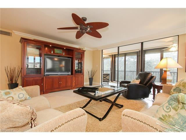 6040 Pelican Bay Blvd D-301, Naples, FL 34108 (#217047953) :: Naples Luxury Real Estate Group, LLC.