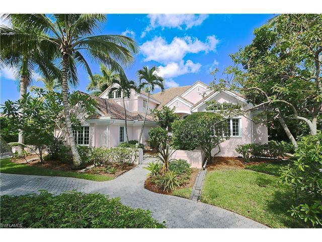 2540 Half Moon Walk, Naples, FL 34102 (#217048285) :: Homes and Land Brokers, Inc