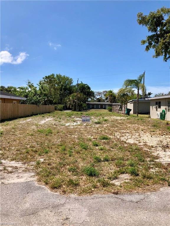 1258 Trail Terrace Dr, Naples, FL 34103 (MLS #218003443) :: The New Home Spot, Inc.
