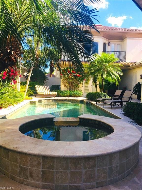 1035 Grand Isle Dr, Naples, FL 34108 (MLS #218013579) :: The New Home Spot, Inc.