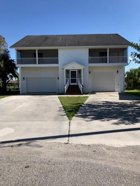 2054 Barbados Ave, Fort Myers, FL 33905 (MLS #218017947) :: The New Home Spot, Inc.