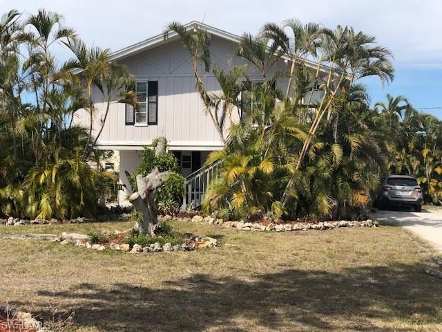 857 91st Ave N, Naples, FL 34108 (#218021153) :: Equity Realty