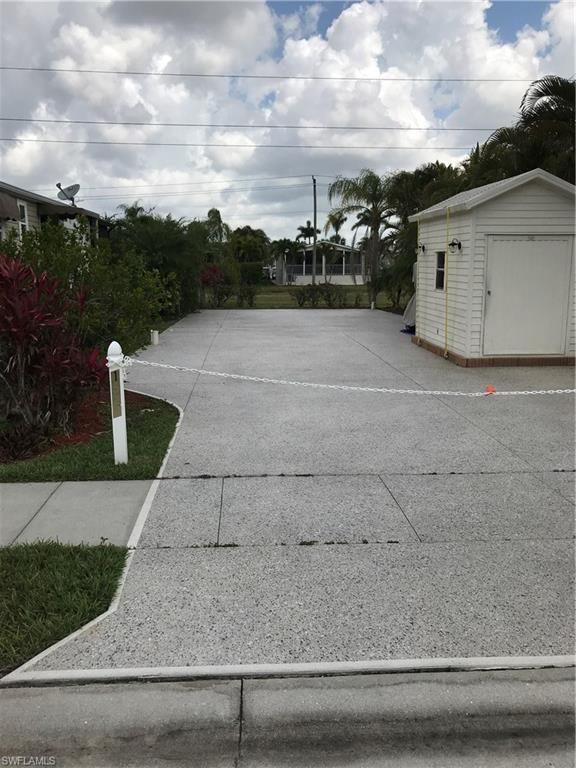 1525 Diamond Lake Cir, Naples, FL 34114 (MLS #218033286) :: The New Home Spot, Inc.