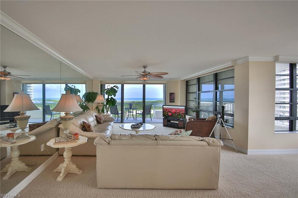 320 Seaview Ct - Photo 1