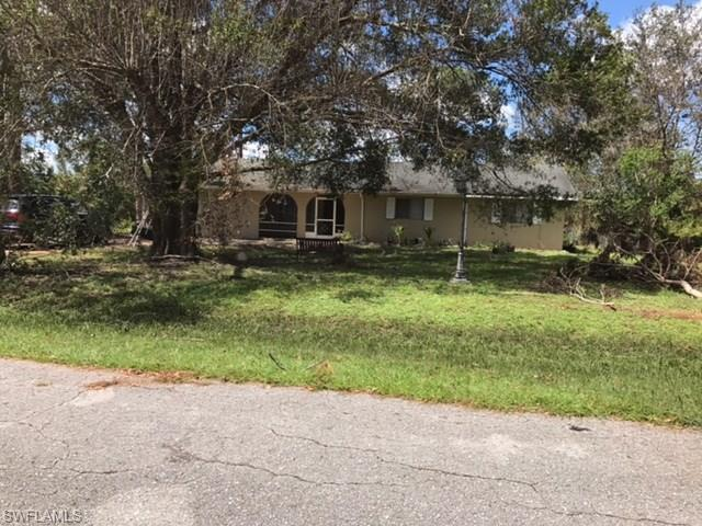 1109 Hibiscus Ave, Lehigh Acres, FL 33972 (MLS #218042518) :: The New Home Spot, Inc.