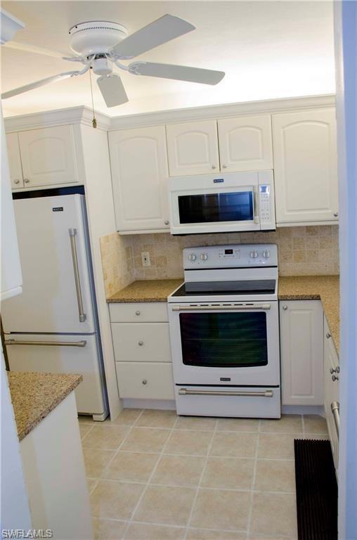 2782 Kings Lake Blvd 9-204, Naples, FL 34112 (#218051632) :: Equity Realty