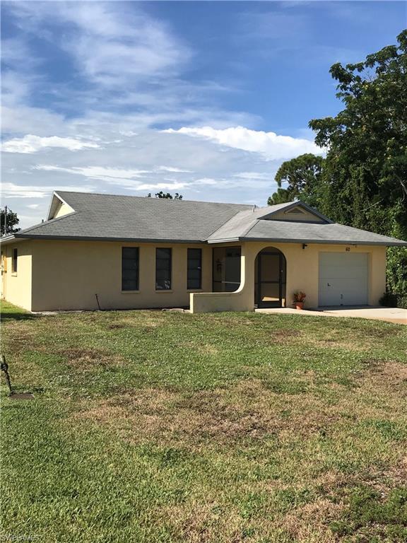60 1st St, Bonita Springs, FL 34134 (#218053454) :: Equity Realty