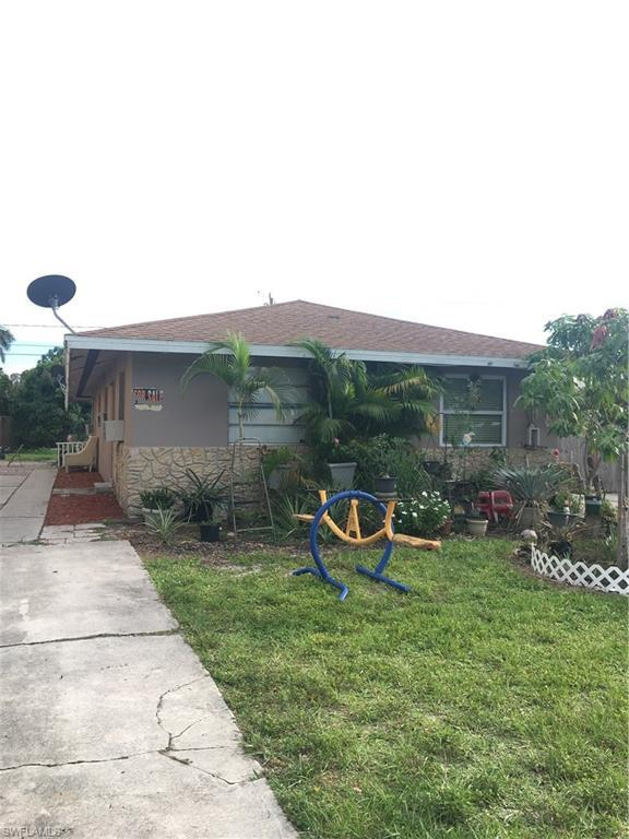 704 105th Ave N, Naples, FL 34108 (#218060625) :: RealPro Realty