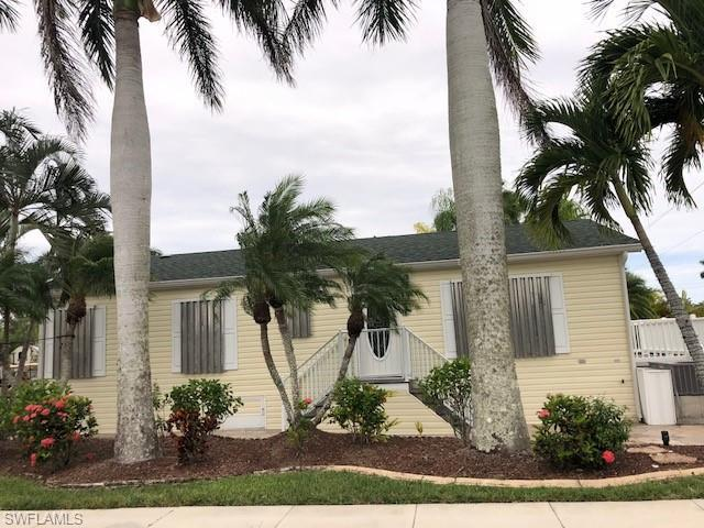 1671 Diamond Lake Cir, Naples, FL 34114 (MLS #218066409) :: The New Home Spot, Inc.