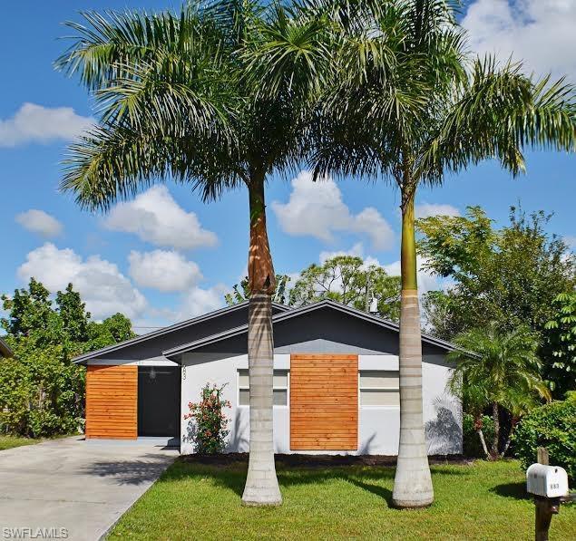 683 102nd Ave N, Naples, FL 34108 (MLS #218073310) :: Clausen Properties, Inc.