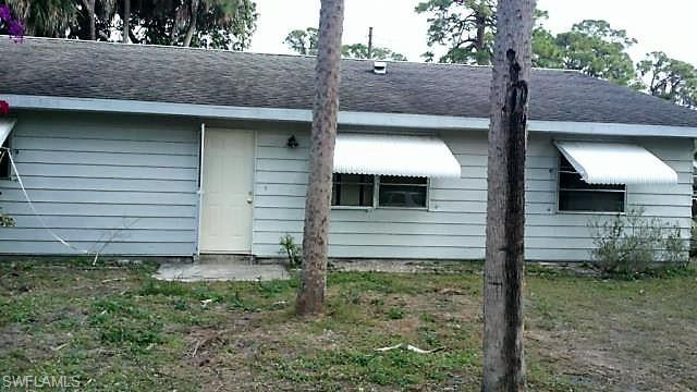 1725 Ixora Dr S, North Fort Myers, FL 33917 (MLS #218073348) :: Clausen Properties, Inc.