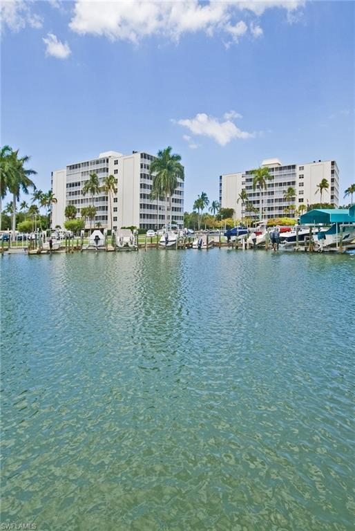 1 Bluebill Ave #604, Naples, FL 34108 (MLS #218074218) :: The Naples Beach And Homes Team/MVP Realty