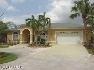 3311 7th Ave SW, Naples, FL 34117 (#218074713) :: The Key Team
