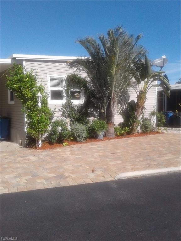 4680 Lahaina Ln, Bonita Springs, FL 34134 (MLS #218078463) :: RE/MAX DREAM