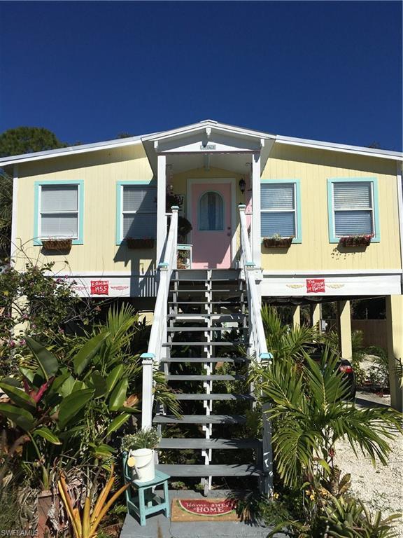 27684/686 Tennessee St, Bonita Springs, FL 34135 (#219006462) :: The Key Team