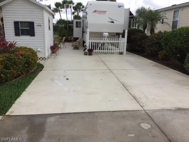 1635 Diamond Lake Cir, Naples, FL 34114 (MLS #219013708) :: RE/MAX Radiance