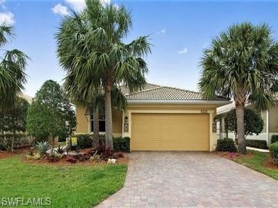 9320 Trieste Dr, Fort Myers, FL 33913 (MLS #219013728) :: Clausen Properties, Inc.