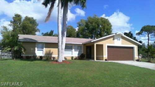 1207 SW 29TH St, Cape Coral, FL 33914 (MLS #219014549) :: RE/MAX Realty Group