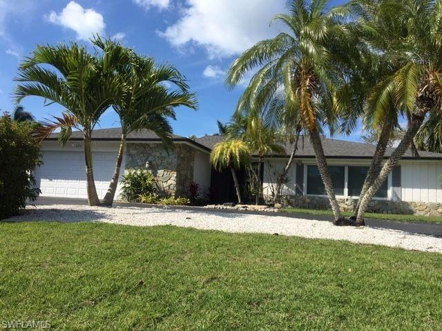 575 Ketch Dr, Naples, FL 34103 (MLS #219019960) :: Kris Asquith's Diamond Coastal Group