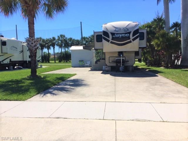 1029 Silver Lakes Blvd, Naples, FL 34114 (MLS #219027724) :: RE/MAX Radiance