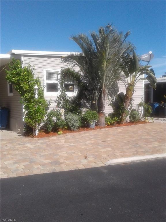4680 Lahaina Ln, Bonita Springs, FL 34134 (MLS #219041561) :: RE/MAX Realty Group