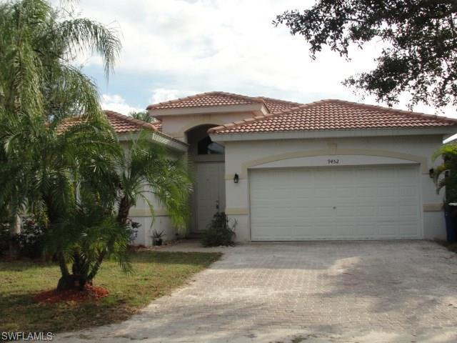 9452 Golden Rain Ln, Fort Myers, FL 33967 (MLS #219042701) :: #1 Real Estate Services